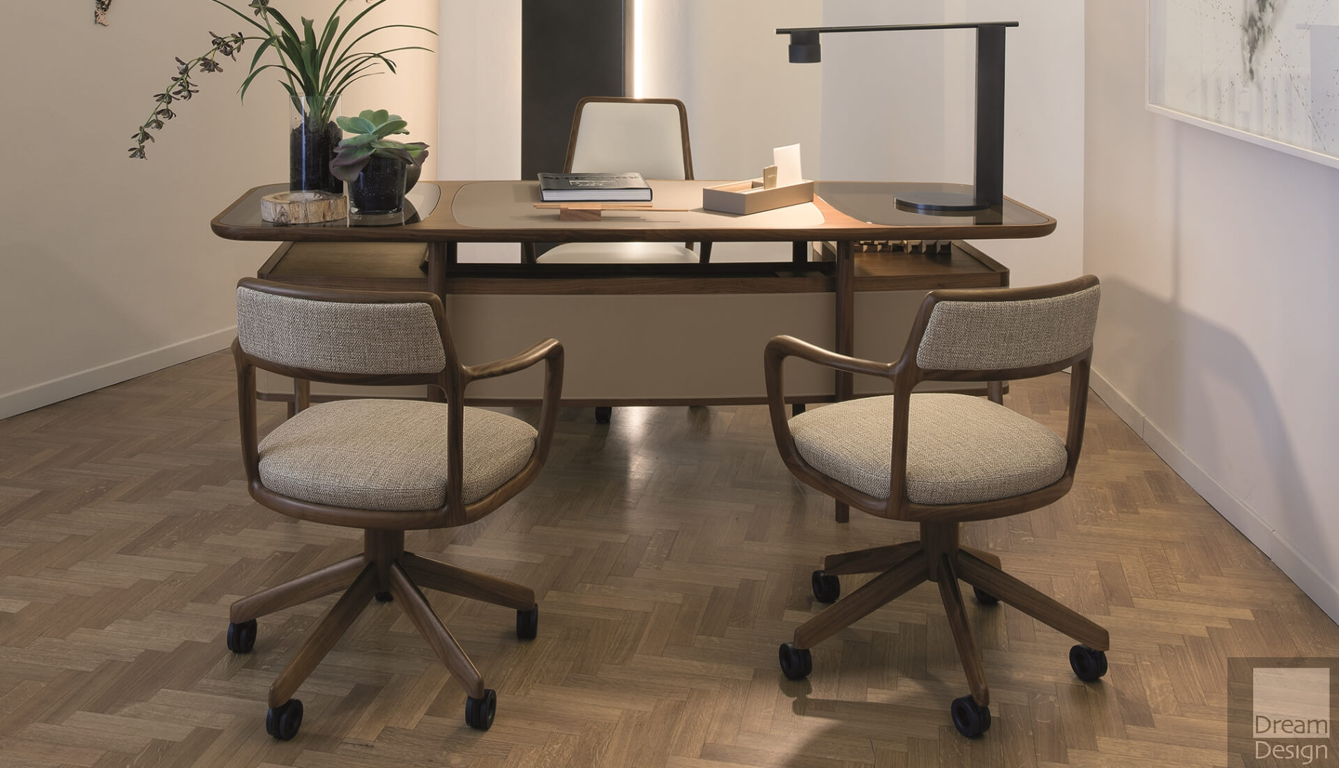 Giorgetti Mogul Desk by Roberto Lazzeroni - Everything But Ordinary