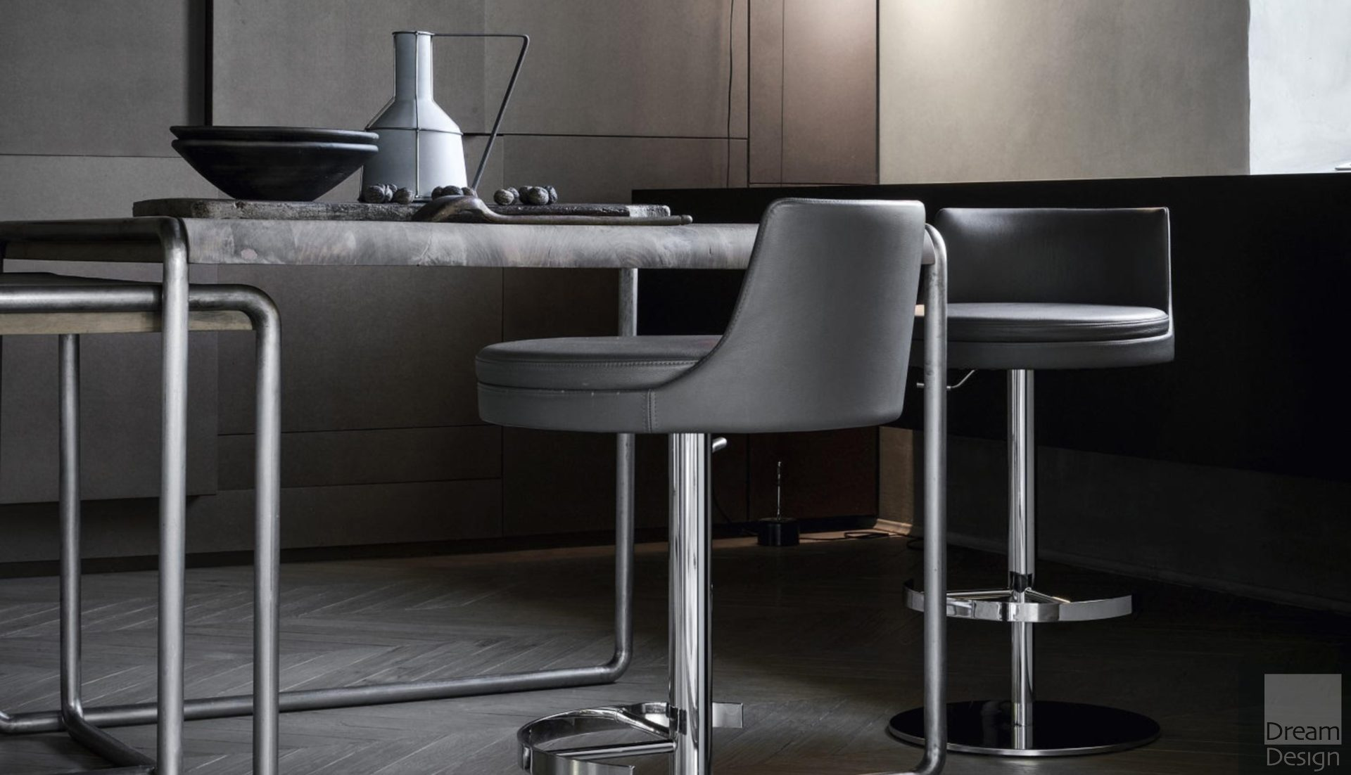 Frag Ponza Bar Stool