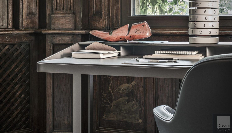 Frag Twain Desk