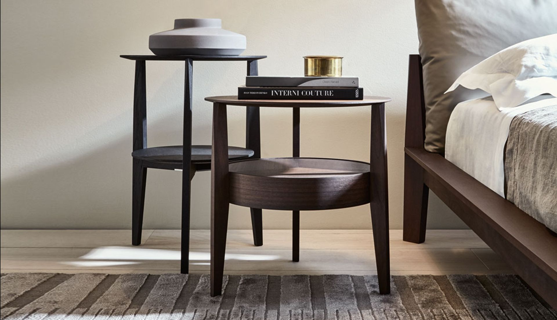 molteni c when side table by rodolfo dordoni everything but ordinary. Black Bedroom Furniture Sets. Home Design Ideas